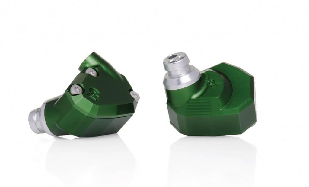 andromeda-2-1690x1024-earphones-1024x620