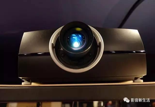 无论挑选那个品牌的投影机,激光光源注定成为用户买单的关键!