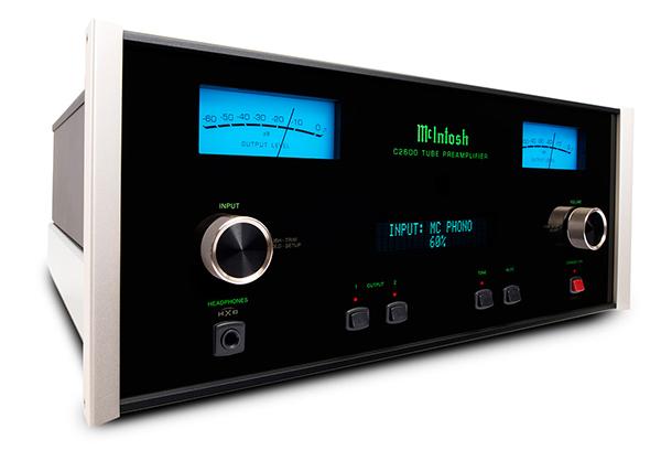 McIntosh C2600前级放大机 | 蓝色仪表、绿色Logo再加上黑色方正的机箱,不用细看就知道是McIntosh的经典设计