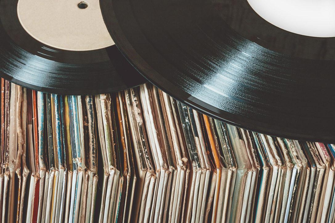 关于黑胶 | 为什么黑胶唱片会不平整?